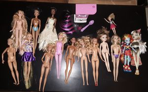 15 Dolls plus misc accessories Barbie, Monster dolls for Sale in Los Angeles, CA