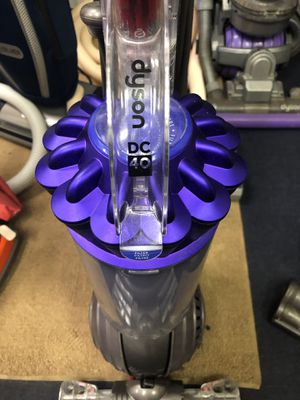Dyson dc 40 vacuum for Sale in Old Bethpage, NY