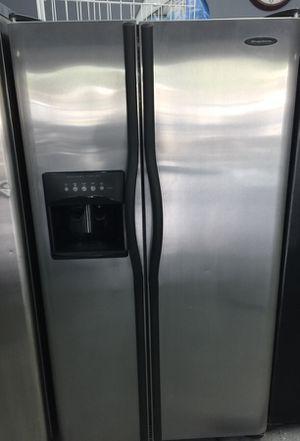 Frigidaire Refrigerator for Sale in Orlando, FL
