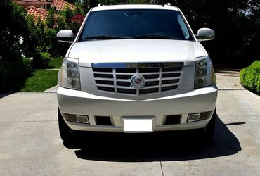 Selling my 2008 Cadillac Escalade $1000 for Sale in Tacoma,  WA