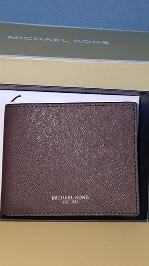 New Authentic Michael Kors Men's Brown Wallet for Sale in Montebello, CA