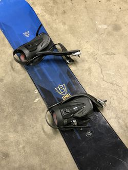 Snowboard Ready For The Snow!!! GNU Carbon high Beam Made In USA!!! Only $200 !!!!! for Sale in San Bernardino,  CA