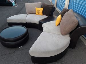 Modern sectional couch 5 pieces with ottoman, like new for Sale in Glendale, AZ