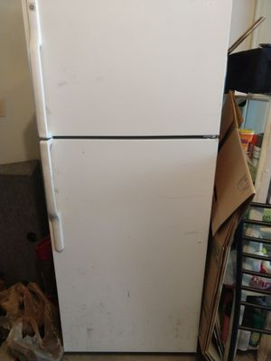 GE, Refrigerator for Sale in Alexandria, VA