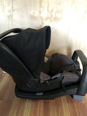 Car seat with base for Sale in Corona, CA