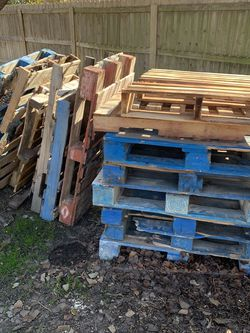 Free Wooden Pallets! for Sale in Round Rock,  TX