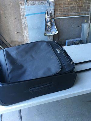 SAMSONITE suitcase for Sale in Largo, FL