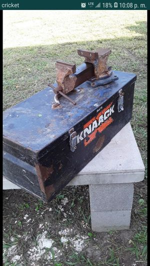 Tools box and vice for Sale in Austin, TX