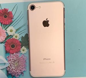 Iphone 7(128gb)unlocked,excellent condition with warranty for Sale in Everett, MA