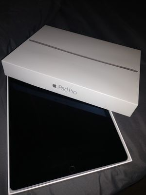 Apple iPad Pro 12.9 inch Brand new, never used for Sale in Coral Springs, FL