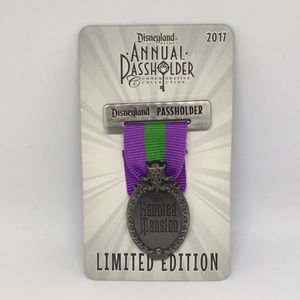 Disney DLR Haunted Mansion Ribbon Annual Passholder 2017 LE 3000 Pin for Sale in Irwindale, CA