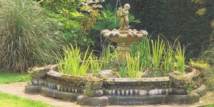 Old world fountain for Sale in Topanga, CA