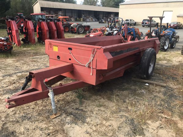 Case International 1540 Manure Spreader- Cecil's Tractors
