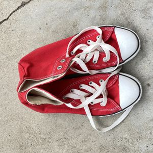 Red Youth Converse High Tops for Sale in Riverside, CA