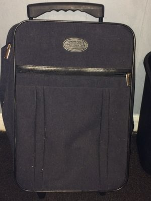Small travelers bag with wheels for Sale in Knoxville, TN