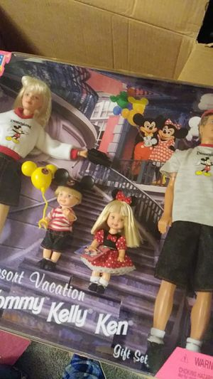 Disney land resort vacation with Barbie Tommy kelly ken for Sale in La Vergne, TN