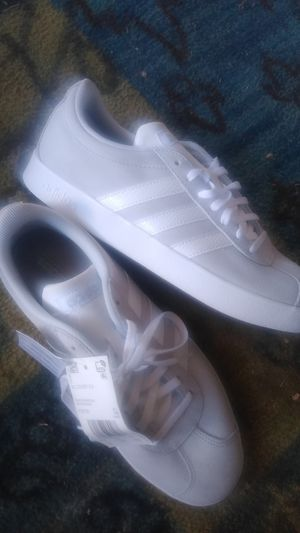 Adidas Women's Size 8 Sneakers for Sale in San Diego, CA