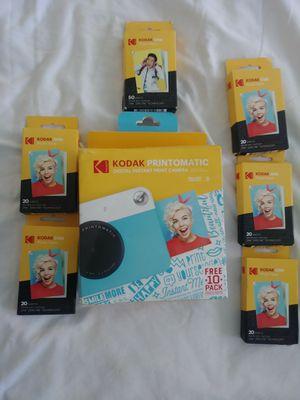 Kodak camera w zink film for Sale in Summerville, SC