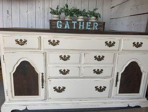 Dresser for Sale in Pflugerville, TX