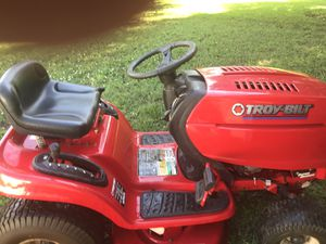 22 hp Troy built lawn tractor new blades and belts last year 550.00 for Sale in Taylors, SC