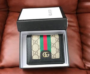 Gucci wallet short brown for Sale in Los Angeles, CA