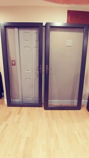 Pella storm doors 72 W 81 H w/ full screens for Sale in Leominster, MA