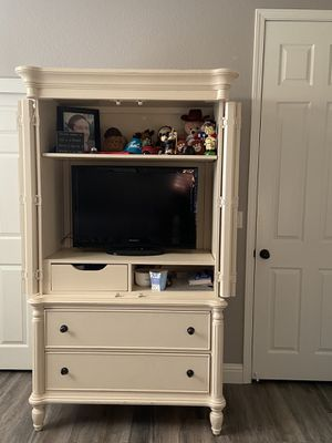 Queen bedroom furniture set for Sale in Madera, CA