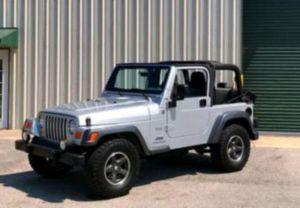 Price$12OO Jeep-Wrangler 2004 in perfect condition for Sale in Lafayette, LA