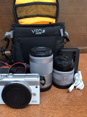 Canon EOS camera sets for Sale in Honolulu, HI
