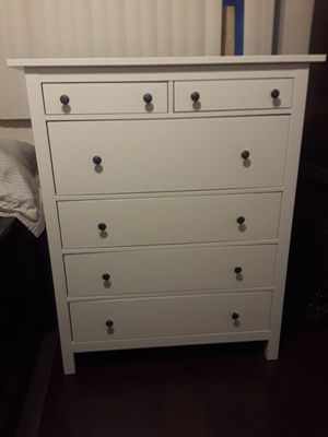 Ikea taallboy dressor en exelentes condiciones for Sale in Lawndale, CA