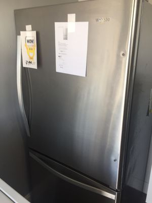 Refrigerator bottom freezer New Whirlpool for Sale in Oakland Park, FL