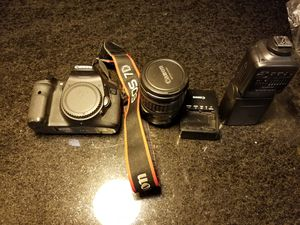 Canon 7D plus lense, flash, and camera bag for Sale in Chicago, IL