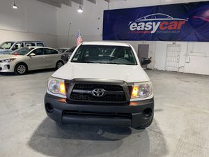 Toyota Tacoma 2011 título limpio for Sale in Doral, FL