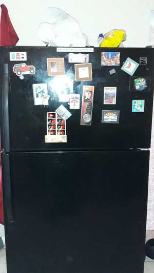 Kenmore refrigerator for Sale in St. Petersburg, FL