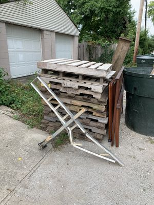 FREE SCRAP AND PALLETS for Sale in Columbus, OH