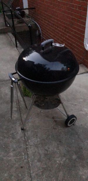 Weber charcoal grill for Sale in Washington, DC