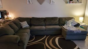 Gray sectional couch from Ashley Furniture for Sale in Phoenix, AZ