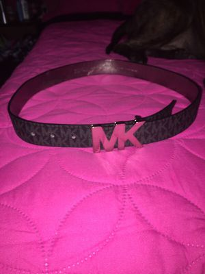 Michael Kors Belt size M for Sale in Bronx, NY