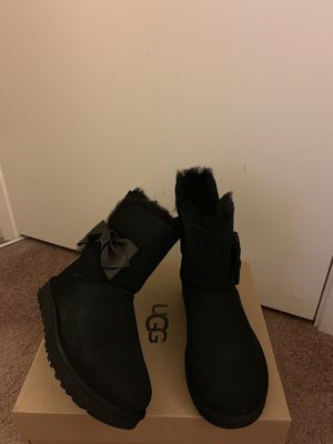 100% Authentic Brand New in Box UGG Boots with Bow / Color: Black / Women size 6, 7, 8, 11 for Sale in Walnut Creek, CA