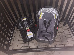 Graco car seat and base for Sale in Anchorage, AK