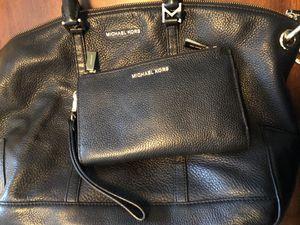 Michael Kors purse & wallet/wristlet for Sale in Beaumont, CA