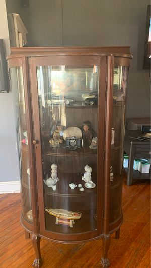 Antique China cabinet for Sale in Philadelphia, PA
