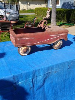 Childs Antique Toy Car for Sale in Reedley,  CA