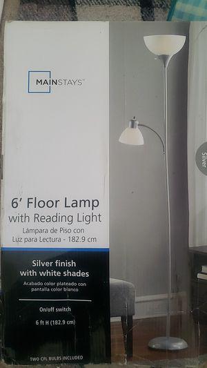 Floor lamp for Sale in San Bernardino, CA