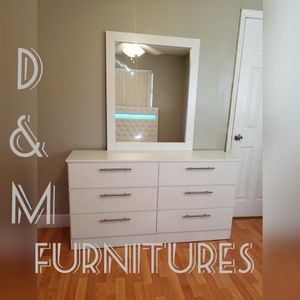 Comoda con espejo... Dresser with mirror for Sale in Miami, FL
