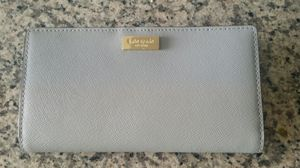Kate Spade vertical wallet for Sale in Baltimore, MD