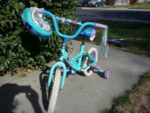 Disney's Frozen bike and scooter for Sale in Modesto, CA