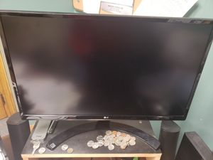 LG 24UD58 4k monitor with freesync. Near mint condition. Available from Fall River to Providence. Great high resolution work or gaming screen. for Sale in Providence, RI