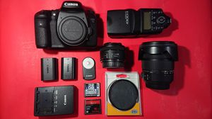 Canon 7D with Sigma 17-50mm f2.8 and Canon 50mm for Sale in Irwindale, CA