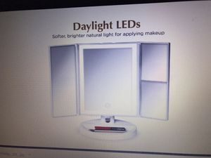 LED Lighted Makeup Vanity Mirror for Sale in Rialto, CA
